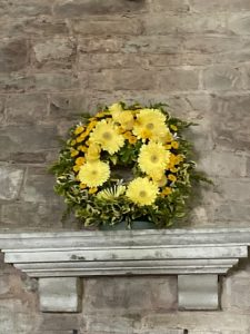 yellow flowers in a circle